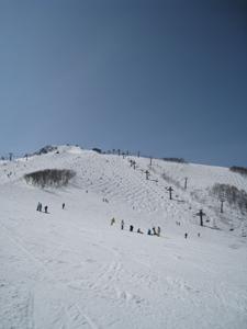 春スキーリフト運行状況